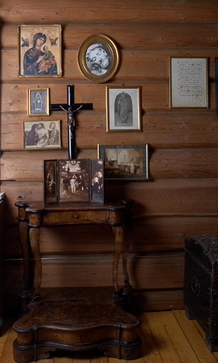Bedeskammel i Sigrid Undsets soverom på Bjerkebæk