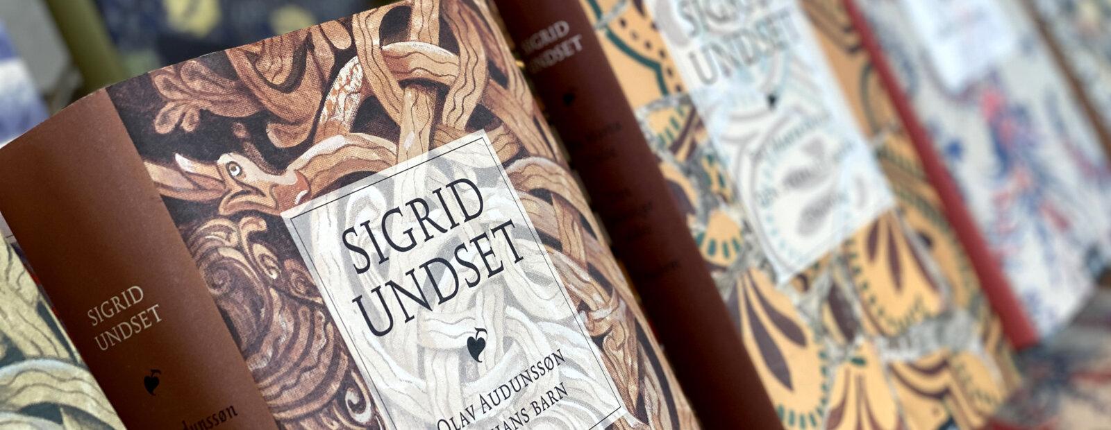 Fremsiden av diverse bøker av Sigrid Undset